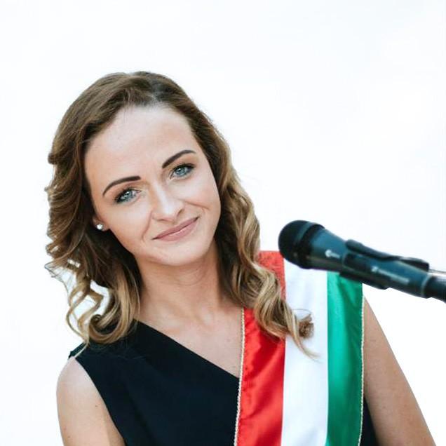 Vásárhelyi Petra - Esküvői szertartásvezető | Vásárhelyi Petra - esküvői szertartásvezető