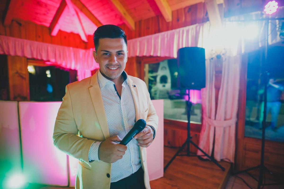Vásárhelyi Petra - Esküvői szertartásvezető | Borbás Viktor - ceremóniamester